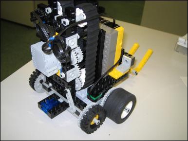 http://yakushi.shinshu-u.ac.jp/robotics-photo/2006a/2006-05-26/img_1383_Medium.jpg