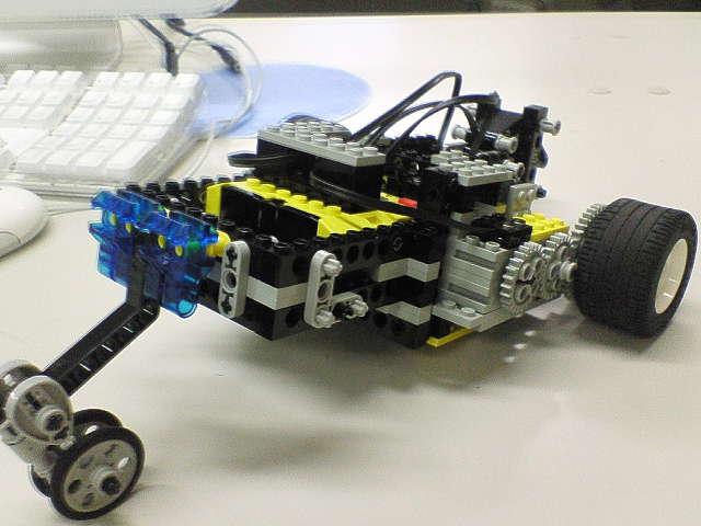 試作ロボ・後ろから見た図