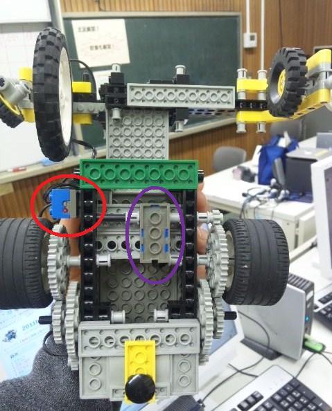 写真中央は回転センサ、左は光センサ