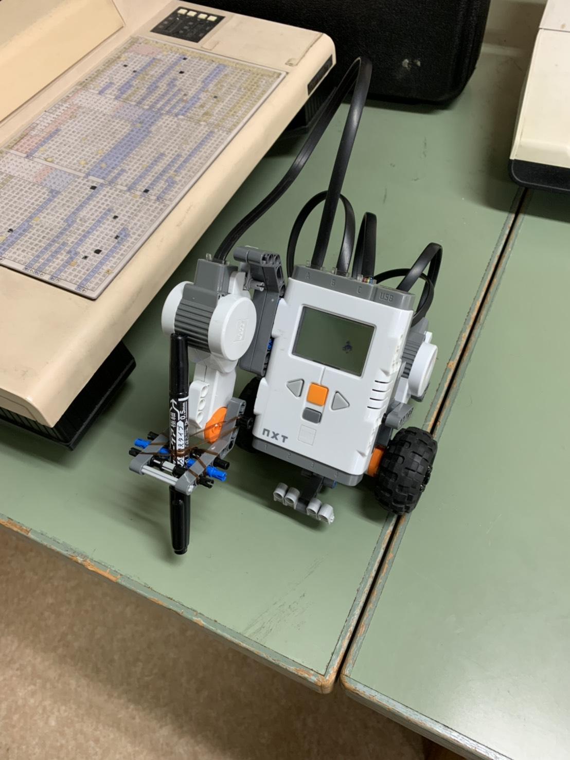 http://yakushi.shinshu-u.ac.jp/robotics/?plugin=ref&page=2018b%2FMember%2Fkozuka%2FMission1&src=hontai.jpeg