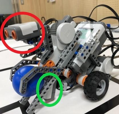 前 赤丸:超音波センサ 緑丸:光センサ